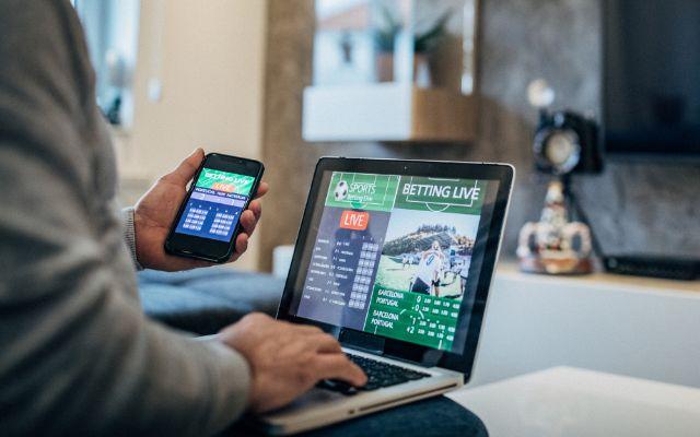 Để tham cá độ online người chơi phải lập tài khoản cá độ bóng đá qua mạng
